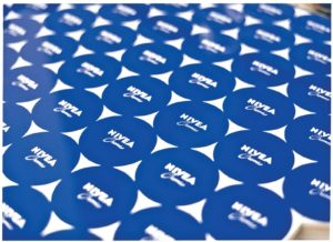 اشتباهناپذیر: تَن آبی نام تجاری Nivea. عکس: Beiersdorf.